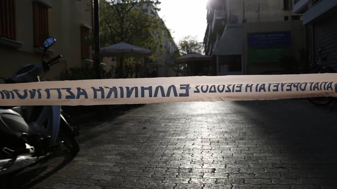 Χειροβομβίδα βρέθηκε σε αυλή σπιτιού στη Λάρισα