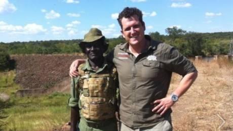 Η ζωή ενός πρώην ελεύθερου σκοπευτή των ειδικών δυνάμεων που κυνηγά λαθροθήρες (pics)
