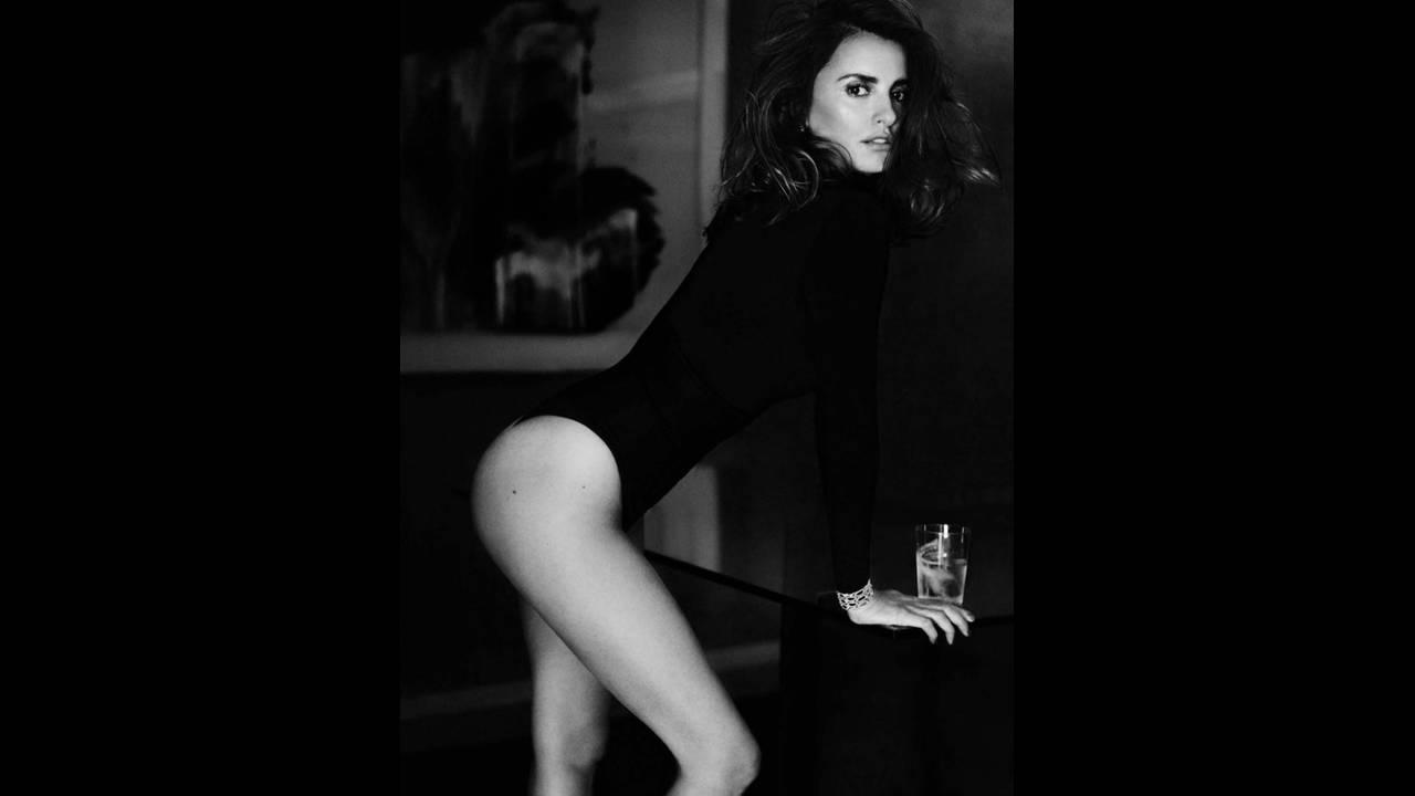 https://cdn.cnngreece.gr/media/news/2017/05/24/82018/photos/snapshot/Penelope-Cruz-Vogue-Spain-2016-Photoshoot02.jpg