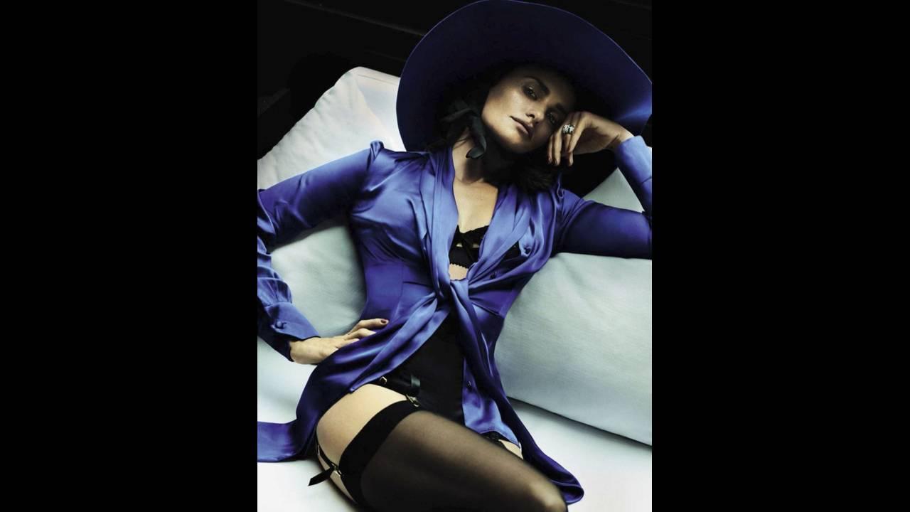 https://cdn.cnngreece.gr/media/news/2017/05/24/82018/photos/snapshot/Penelope-Cruz-Vogue-Spain-2016-Photoshoot06.jpg