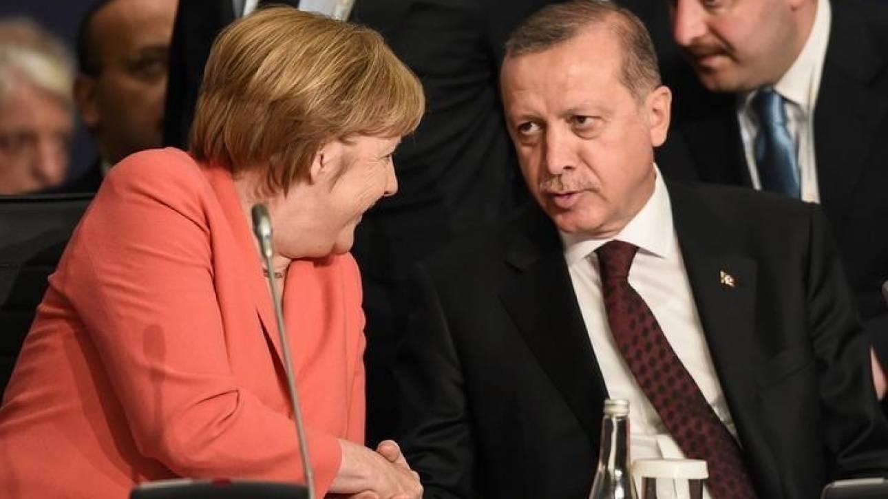 Η Μέρκελ θα επιδιώξει να δει τον Ερντογάν στη Σύνοδο του ΝΑΤΟ