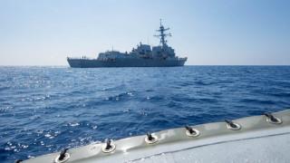 Αμερικανικό πολεμικό πλοίο προκαλεί την Κίνα στη Νότια Σινική Θάλασσα (pics)