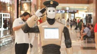 Η... επέλαση των ρομπότ: Περιπολούν στο Ντουμπάι, διδάσκουν χορό στην Ιαπωνία