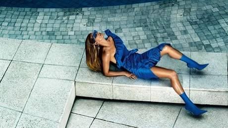 Gisele Bundchen: Απαστράπτουσα επιστροφή στη γαλλική Vogue