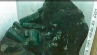 Ανθρακωρύχοι ανακάλυψαν σμαράγδι 362 κιλών αξίας εκατοντάδων εκατομμυρίων (vid)