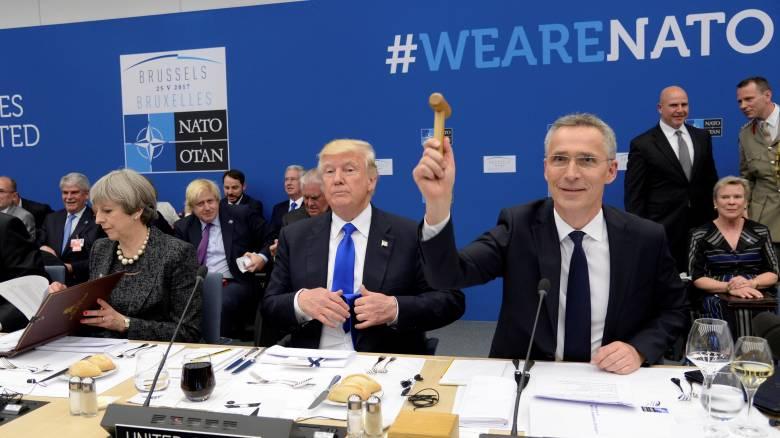 Σύνοδος ΝΑΤΟ: Ισχυρό μήνυμα κατά της τρομοκρατίας και αιχμές Τραμπ για τις αμυντικές δαπάνες