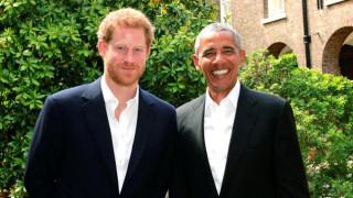 Ο πρίγκιπας Χάρι υποδέχθηκε τον Μπαράκ Ομπάμα στο παλάτι του Κένσινγκτον