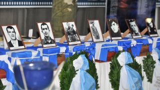 Συγκλονίζουν οι συγγενείς των νεκρών στρατιωτών της ΕΛΔΥΚ μετά τον επαναπατρισμό των λειψάνων τους