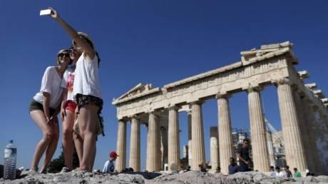 Handesblatt: Νέο ρεκόρ για τον ελληνικό τουρισμό