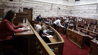 Ύποπτη ρύθμιση για απαλλαγή από το φόρο υπεραξίας καταγγέλλει η αντιπολίτευση