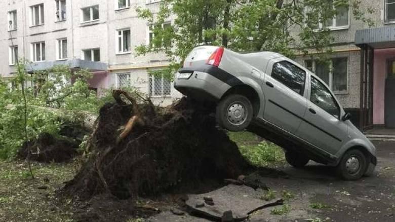 Στους 16 οι νεκροί από την φονική καταιγίδα στη Μόσχα (pics)
