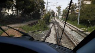 Θανάσιμος τραυματισμός γυναίκας από διερχόμενη αμαξοστοιχία στο κέντρο της Αθήνας