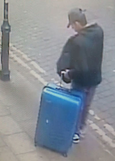 2017 05 30T042532Z 951991365 RC1E94A20940 RTRMADP 3 BRITAIN SECURITY MANCHESTER SUITCASE
