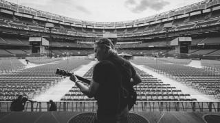 Ρότζερ Γουότερς: O συνιδρυτής των Pink Floyd με νέο μανιφέστο 25 χρόνια μετά