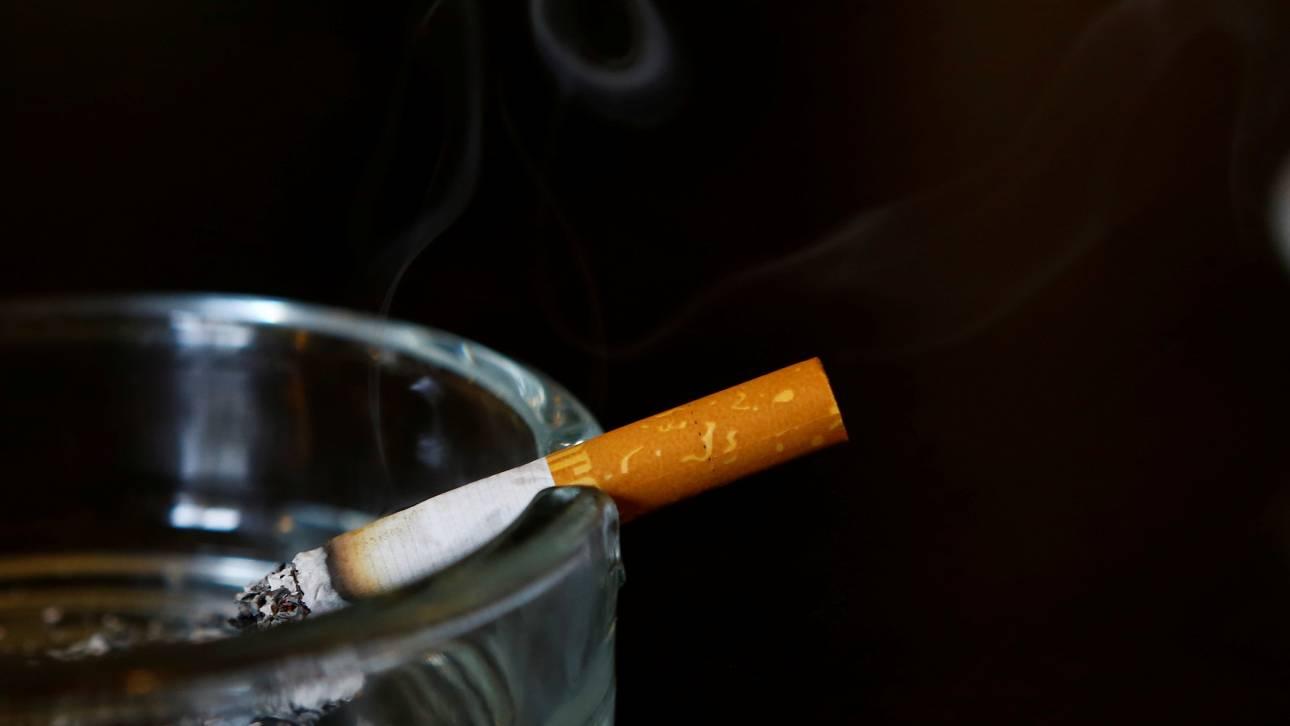 Αυστρία: Σε έναν χρόνο θα τεθεί σε ισχύ η απαγόρευση καπνίσματος για ανηλίκους