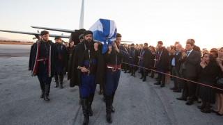Στην Χαλέπα για λαϊκό προσκύνημα η σορός του Κωνσταντίνου Μητσοτάκη (pics&vid)
