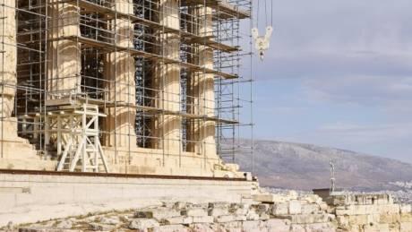 PwC : Σε φαύλο κύκλο ύφεσης και πιστωτικής ανεπάρκειας η Ελλάδα
