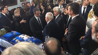 Ο πολιτικός κόσμος και απλοί πολίτες αποχαιρετούν τον Κωνσταντίνο Μητσοτάκη (pics)