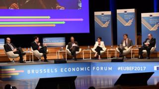 Αιχμές από Μοσκοβισί: Αποφασίζουμε πίσω από κλειστές πόρτες για τη μοίρα της Ελλάδας