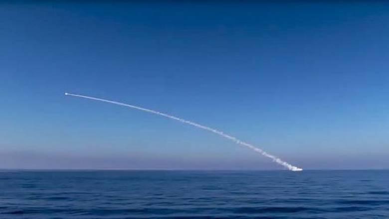 Οι Ρώσοι βομβάρδισαν τζιχαντιστές στη Ράκα (vid)