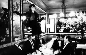 Kate Moss, Cafe Lipp, Παρίσι, 1993.