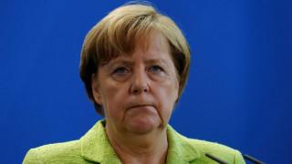 «Αναγκαία» χαρακτήρισε τη συμφωνία του Παρισιού για το κλίμα η Μέρκελ