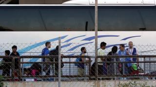 Ολοκληρώθηκε η επιχείρηση απομάκρυνσης των προσφύγων από το Ελληνικό (pics&vids)