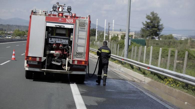 Στις φλόγες φορτηγό στην Αττική Οδό