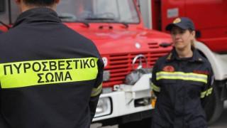 Υπό έλεγχο η πυρκαγιά σε αποθήκη στη Νέα Φιλαδέλφεια