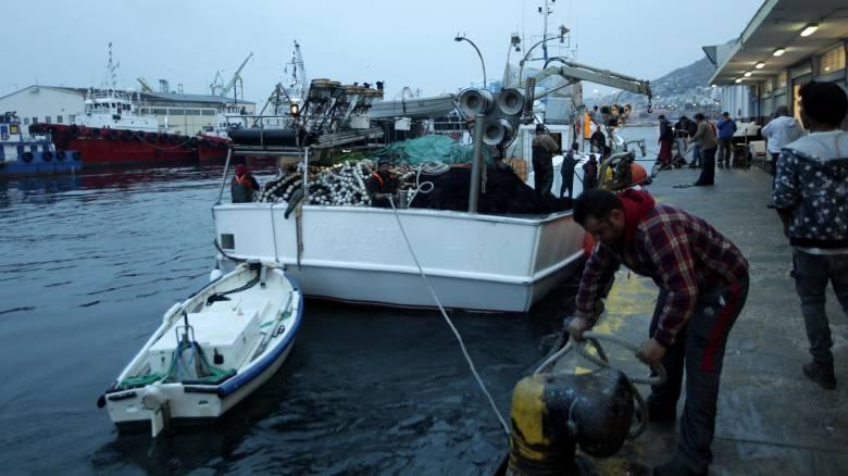 Τα «κόλπα» των Τούρκων στους Έλληνες ψαράδες