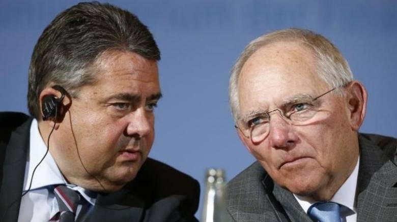 «Εμφύλιος» στη Γερμανία για την Ελλάδα – Τι επιδιώκει ο αντίπαλος του Σόιμπλε