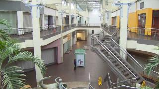 Ο «αργός θάνατος» των shopping malls