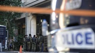 Επιθέσεις με μολότοφ και πέτρες κατά των ΜΑΤ στα Εξάρχεια