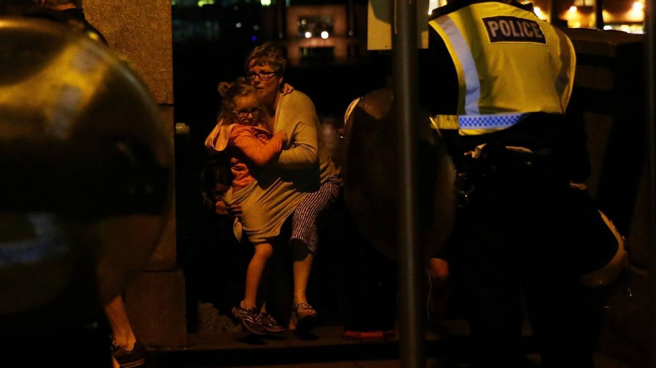 Επίθεση στο Λονδίνο: Ένας Έλληνας μέσα σε παμπ φωνάζει: «Έχω ματώσει»