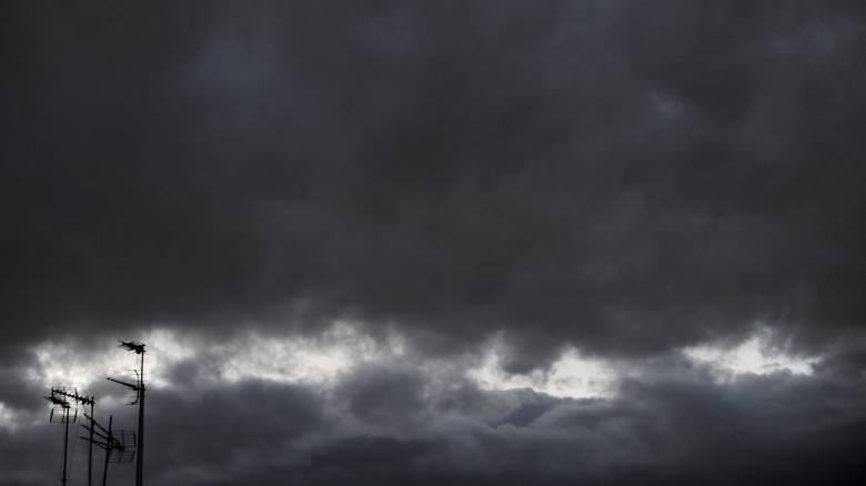Καιρός: Βροχές και καταιγίδες του Αγίου Πνεύματος