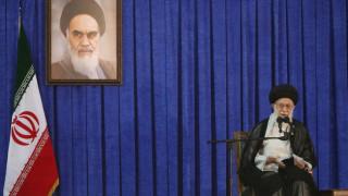 Ιράν: Οι πολιτικές των Δυτικών τους γυρίζουν μπούμερανγκ διαμηνύει ο Χαμενεϊ