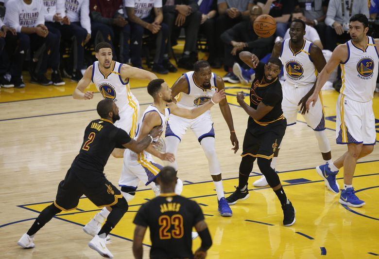 2017 06 05T005548Z 1519946886 NOCID RTRMADP 3 NBA FINALS CLEVELAND CAVALIERS AT GOLDEN STATE WARRIORS