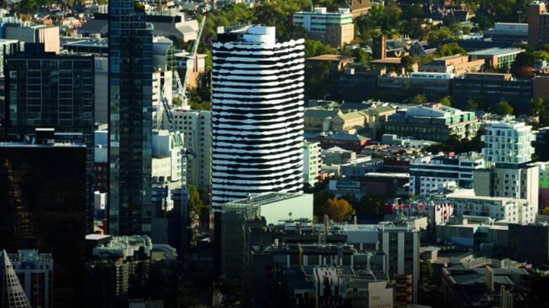 Δεν είναι ψευδαίσθηση: Αυτό το κτίριο στη Μελβούρνη δείχνει ένα πρόσωπο (pics)
