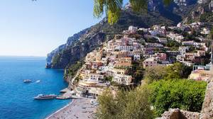 Positano, Ακτή Αμάλφι: Η Ακτή Αμάλφι αποτελεί διαμάντι της μεσογειακής ομορφιάς.