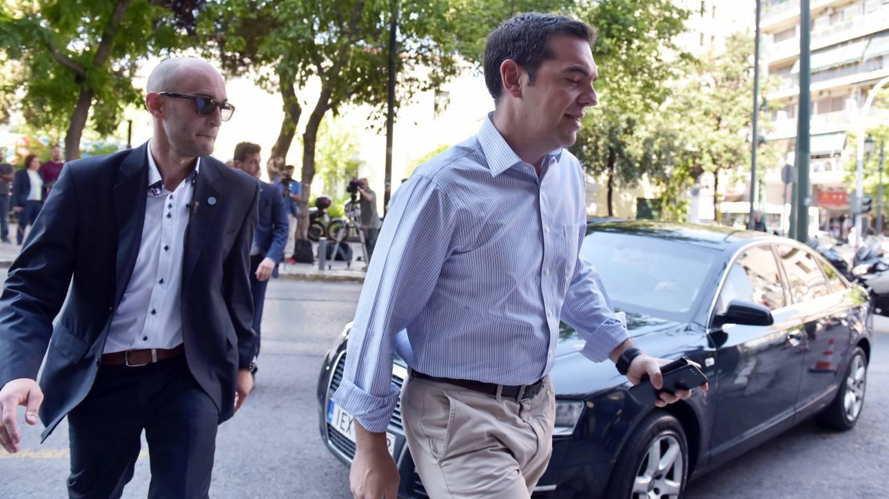 Βαριά ατμόσφαιρα στον ΣΥΡΙΖΑ: «Κάνουμε συνέχεια τα καλά παιδιά», λένε στελέχη του κόμματος