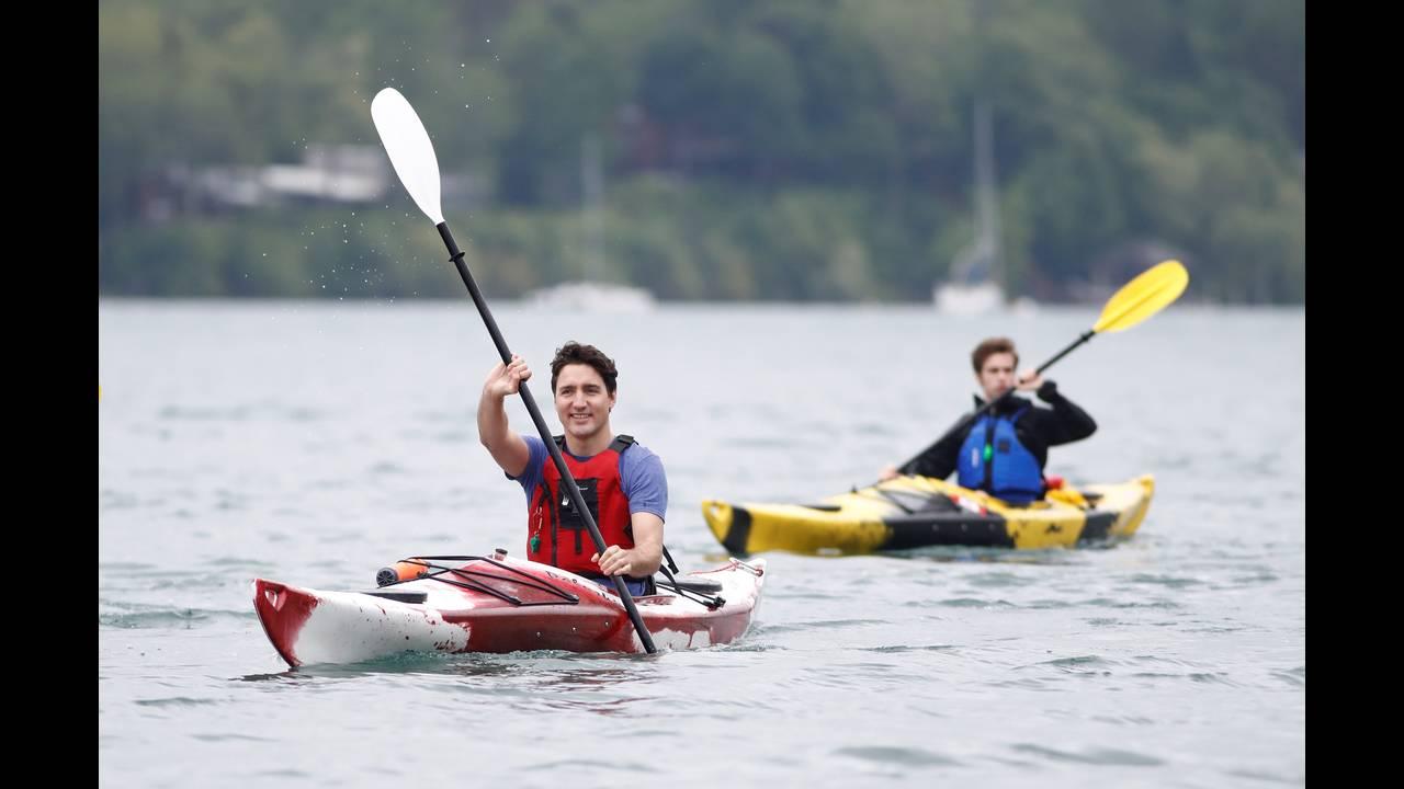 https://cdn.cnngreece.gr/media/news/2017/06/07/83824/photos/snapshot/2017-06-05T163037Z_1581484447_RC1604CC9660_RTRMADP_3_CANADA-POLITICS-NIAGARA.JPG