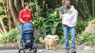 Iρίνα Σάικ-Μπράντλεϊ Κούπερ: Πρεμιέρα στα φλας με τη νεογέννητη κόρη τους
