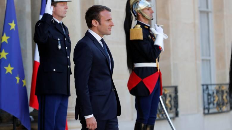 Γαλλία: Νέα δημοσκόπηση δίνει την απόλυτη πλειοψηφία στο κόμμα του Μακρόν