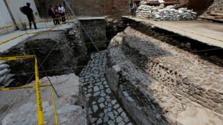 Ανακαλύφθηκε ναός των Αζτέκων στο κέντρο της Πόλης του Μεξικού (pics)