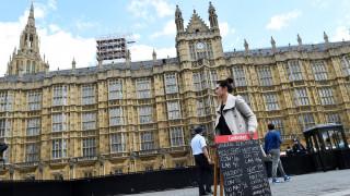 Γιατί οι εκλογές στη Μεγάλη Βρετανία διεξάγονται Πέμπτη;