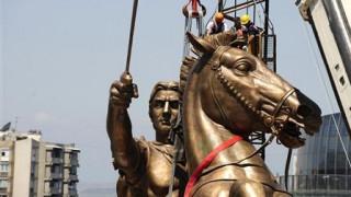 Πρωθυπουργός ΠΓΔΜ: Προβοκάτσια εναντίον της Ελλάδας οι ανδριάντες του Μ. Αλέξανδρου