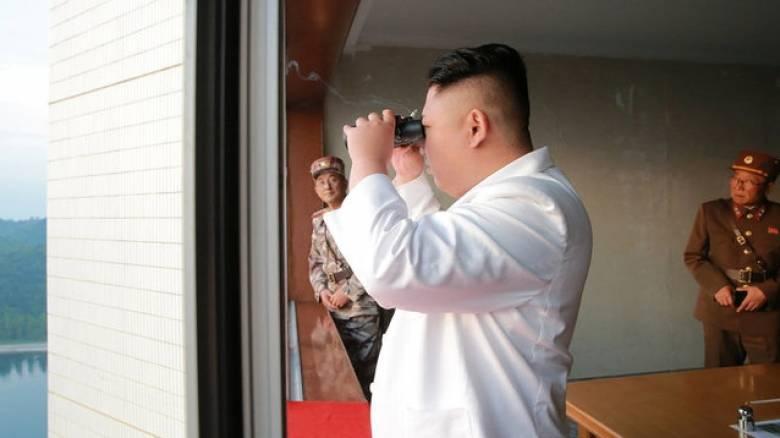Η Βόρεια Κορέα προχώρησε σε νέες εκτοξεύσεις πυραύλων (pics)