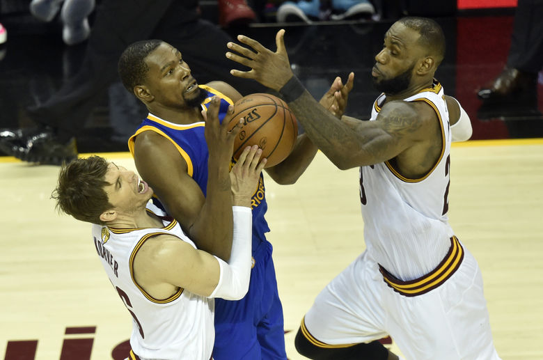 2017 06 08T034253Z 676364244 NOCID RTRMADP 3 NBA FINALS GOLDEN STATE WARRIORS AT CLEVELAND CAVALIERS