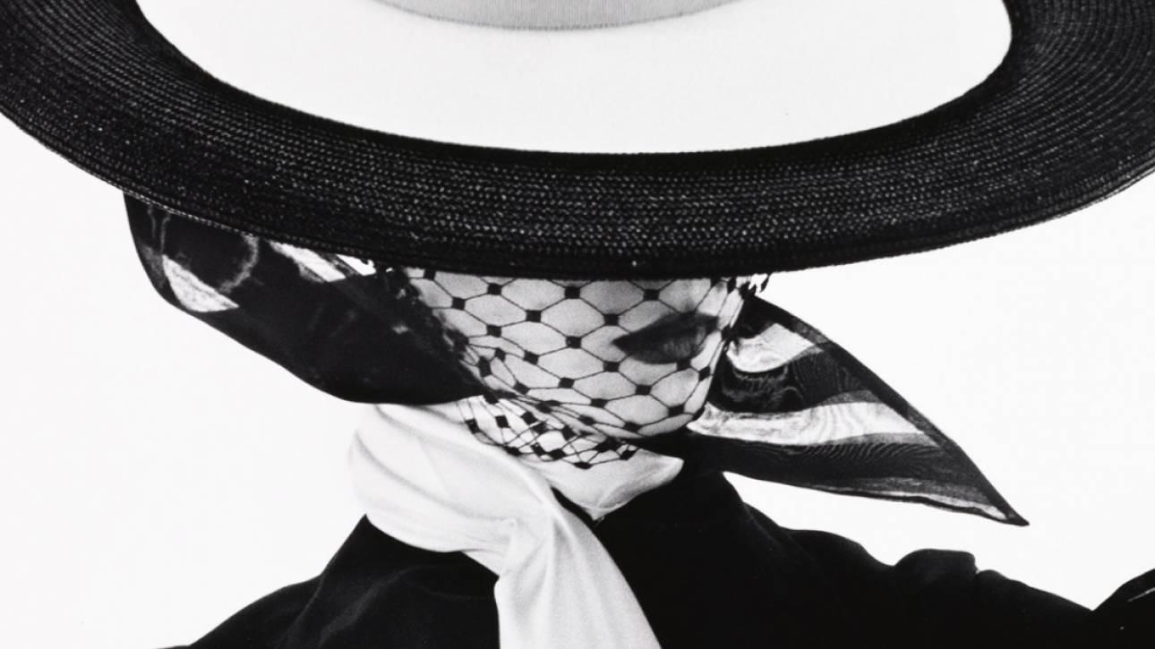 We wear culture: Η Google μας καταδύει στην λυρική ιστορία της μόδας