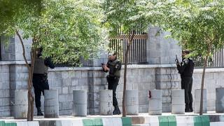 Βίντεο ντοκουμέντο μέσα από το κοινοβούλιο του Ιράν την ώρα της επίθεσης (pics&vid)